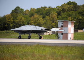 Historic Fly-in Arrested Landing for X-47B